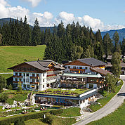© Landhotel Edelweiss - Aussenaufnahme Hotel Sommer