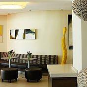 © Landhotel Birkenhof/ Helmreich - der Loungebereich in der Lobby