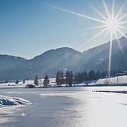 © Landhotel Strasserwirt - Wintersonne am Pillersee