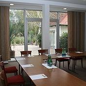 seminarraum-salzberg-mit-direktem-ausgang-in-den-garten