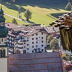 Landhotel Tirolerhof im Sommer von der Nordseite