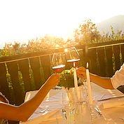 Landhotel Schwaiger - Terrasse mit Sonnenuntergang