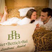 Bier Bottich Bad im Landhotel Moorhof - c-hannelore-kirchner