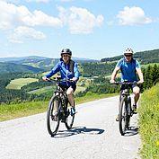 mit dem E-Bike unterwegs © Gery Wolf