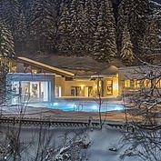 Freibad im Winter mit 31 Grad im Landhotel Alpenhof
