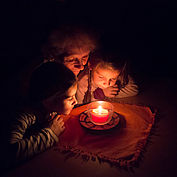 Advent, Familie im Winter ©Tirol Werbung Martina Wiedenhofer