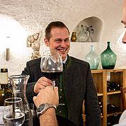 eigener Weinkeller mit erlesenen Weinen