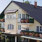 Landhotel Schwaiger - Hotelansicht Sommer
