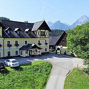 Hotelansicht Landhotel Gressenbauer im Sommer