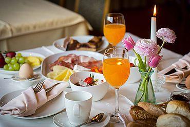 © Landhotel Moorhof - reichhaltiges Frühstück