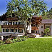 Landhotel Schütterbad Hotelansicht Sommer