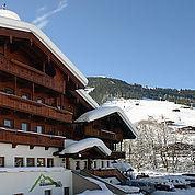 © Landhotel Wiedersbergerhorn - Aussenansicht Winter