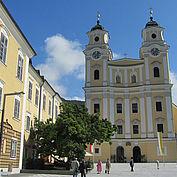 © TVB MondSeeLand - Kirchenplatz und Basilika