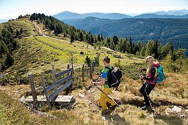 Paar beim Wandern, ©Ferienregion Salzburger Lungau, Foto G.A. Service GmbH