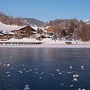 Landhotel Berau und der zugefrorene Wolfgangsee