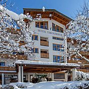 © Landhotel Tirolerhof/ Thomas Trink - Hotelansicht im Winter