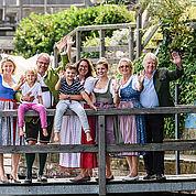 © Landhotel Das Traunsee - Christof Wagner - 3 Generationen Gastgeberfamilie Groeller