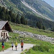 Wandern mit Fernsicht © Wildkogel-Arena Neukirchen und Bramberg