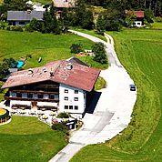 © Landhotel Salzburger Dolomitenhof - Luftaufnahme Sommer