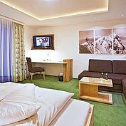"""Komfortzimmer """"Dachstein"""" im Landhotel Alpenhof"""