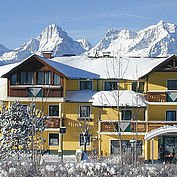 © Landhotel Stockerwirt - Aussenansicht Winter