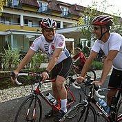 bereit zur Radtour - Abfahrt vorm Landhotel Birkenhof