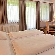 © Landhotel Gressenbauer - geräumige Zimmer mit Balkon