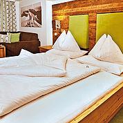 © Landhotel Alpenhof - Komfortdoppelzimmer
