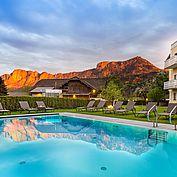 Landhotel Eichingerbauer Panoramaansicht mit Pool