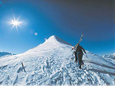 © TVB Alpbachtal + Tiroler Seenland - Skitourengeher Wiedersbergerhorn
