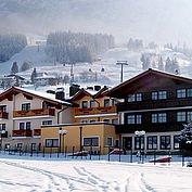 © Landhotel Traunstein - Hotelansicht Winter