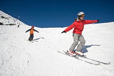 Skifahren am Feuerkogel, (c) Oberösterreich Tourismus GmbH/Himsl