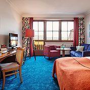 Doppelzimmer im Landhotel Das Traunsee mit Balkon und Seeblick