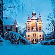 © Landhotel Mader - Kirche im Winter