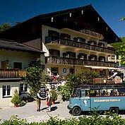 © Landhotel Berau - Gastgeber und Retrobus