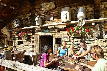 Tirol pur Hüttenjause Farmkehralm Inneralpbach © Alpbachtal Seenland Tourismus