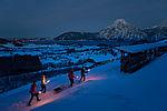 Fackelwanderung in der verschneiten Winterlandschaft rund um das LANDHOTEL DAS TRAUNSEE