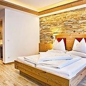 Landhotel Alpenhof - Zimmer Mitterspitz im Chalet-Stil