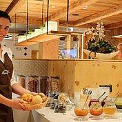 © Landhotel Alpenhof - gut gelaunt und voller Energie in den neuen Tag