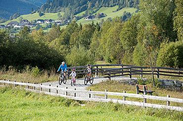 Genussradfahren am Murradweg, ©Ferienregion Salzburger Lungau, Foto G.A. Service GmbH