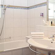 © Landhotel Stofflerwirt - Badezimmer in unseren Suiten