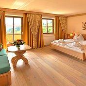 © Landhotel Edelweiss - Wohlühlzimmer mit Panoramblick