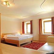 © Landhotel Gressenbauer - helle gemütliche Zimmer