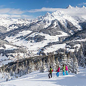 Winterpanorama bei der Schneeschuhwanderung © CoenWeesjes/TVB Filzmoos