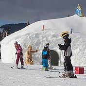 Iglo im Kinder-Winterland