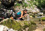 Mountainbikerast mit kühlem Nass