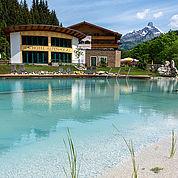 © Landhotel Alpenhof - Strandfeeling am Naturschwimmteich