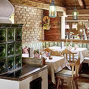 Landhotel Hauserbauer - Gemütliche Stube mit Kachelofen