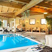 © Landhotel Eichingerbauer - Innenpool - relaxen und entspannen