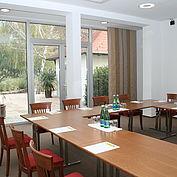 Seminarraum mit direktem Zugang in den Garten